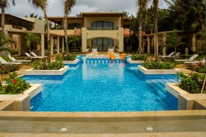 Travel and Luxury Vacations - Villa Casa del Mar